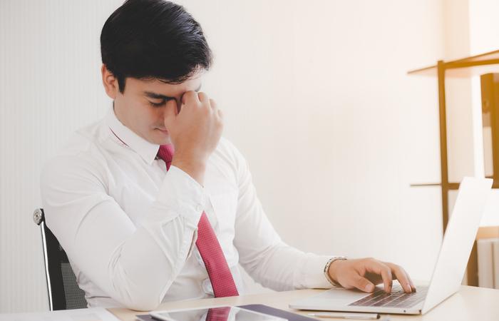 Så hanterar du en medarbetare som ofta är sjuk, vabbar,kommer sent eller har dålig attityd etc.
